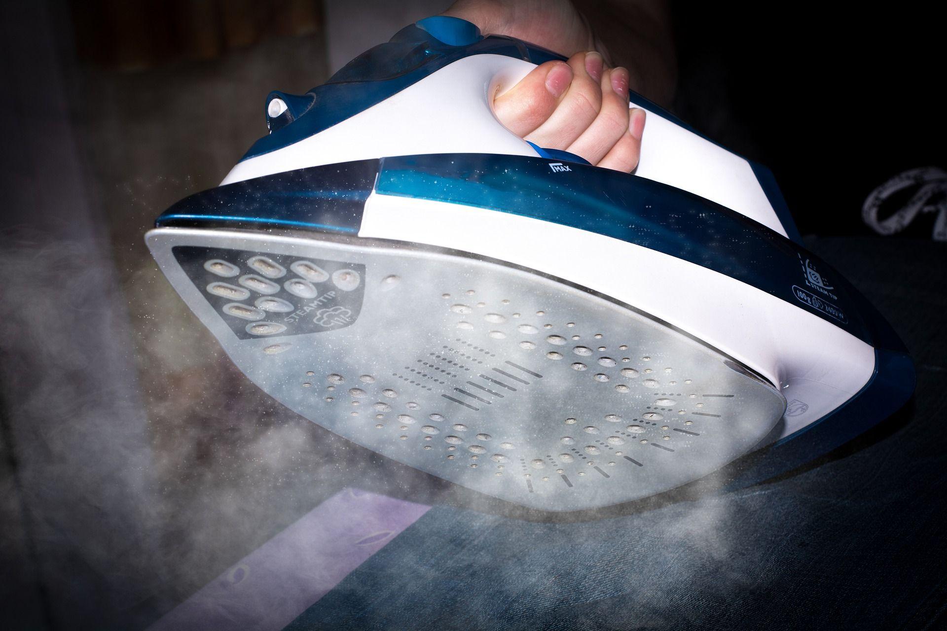 El uso de la plancha a vapor para la ropa según Planchas.pro