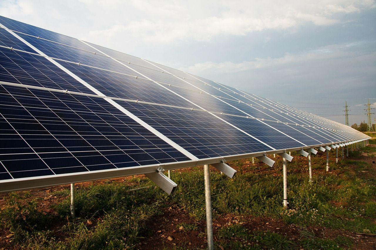 La planta fotovoltaica de Chiva suministrará energía a 80.000 hogares y generará 500 puestos de trabajo