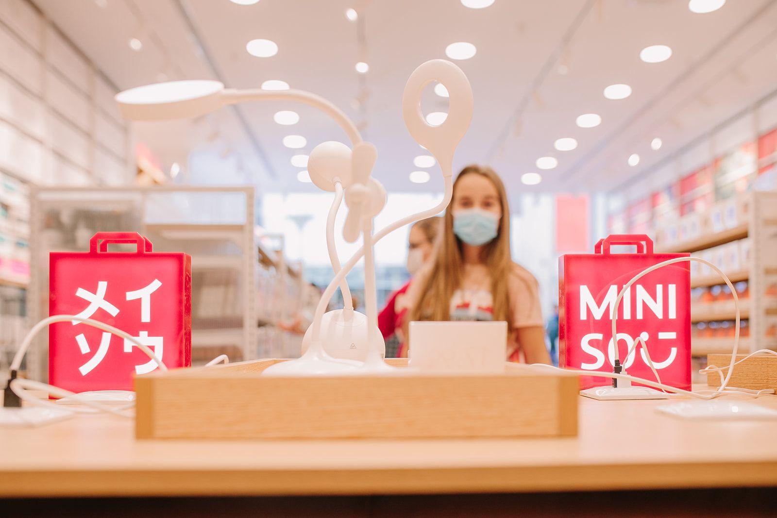 Miniso, el fenómeno mundial del diseño japonés, abre su quinta tienda en Madrid