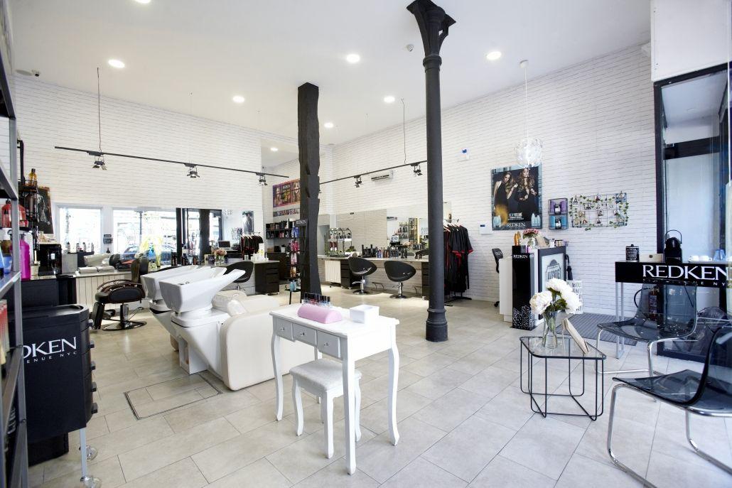 Las peluquerías mantienen a sus clientes gracias a la digitalización y las redes sociales, por avenuehair