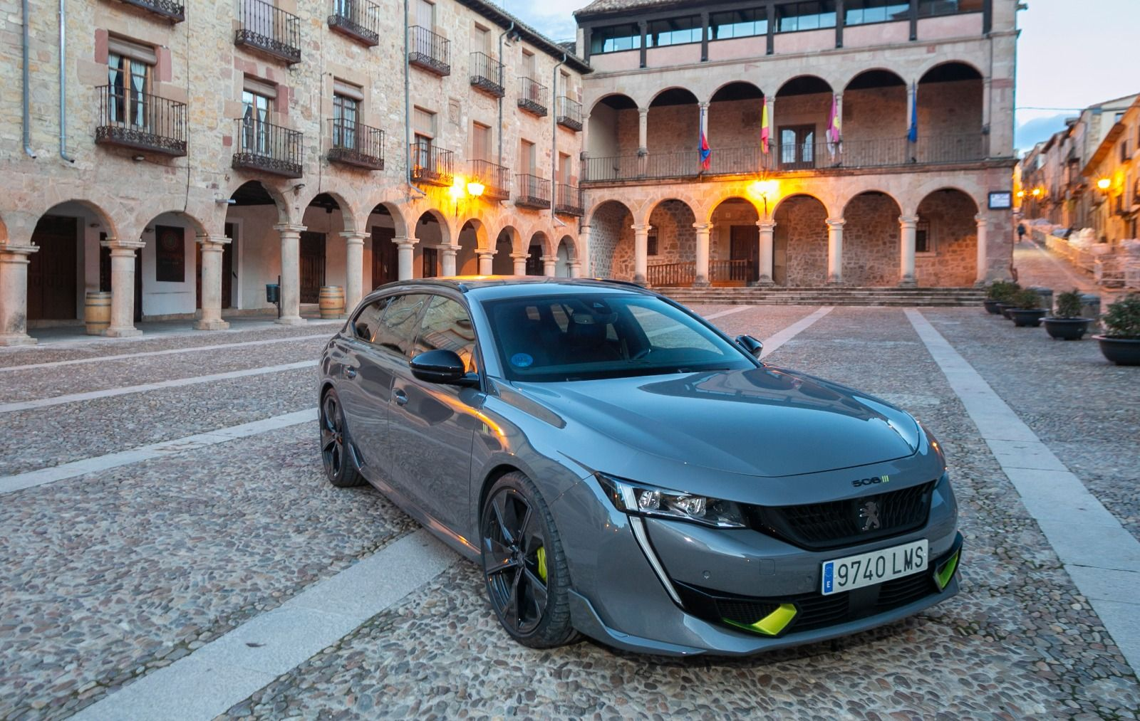 Peugeot elige Sigüenza para presentar su nuevo modelo 508 PSE