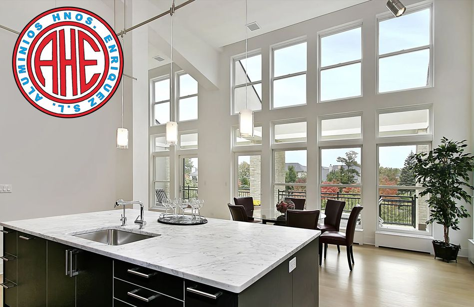 ¿Cómo elegir la ventana de PVC o de aluminio? por Aluminios Hermanos Enríquez