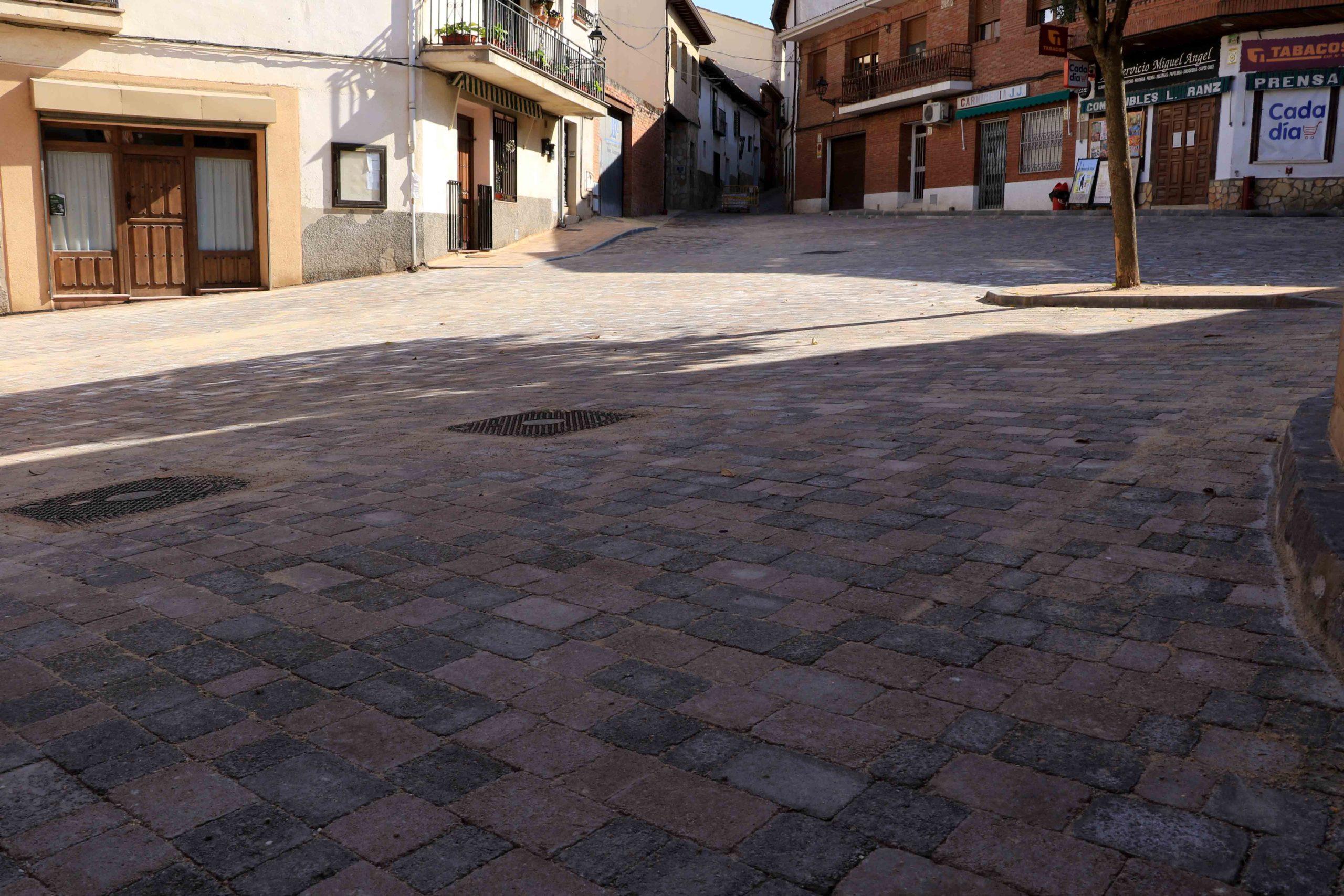 Continúan las obras de mejora en las calles de Cogolludo