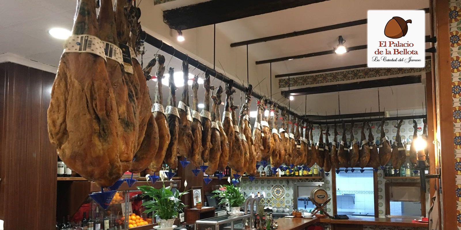 El restaurante Palacio de la Bellota preparado para recibir a sus clientes