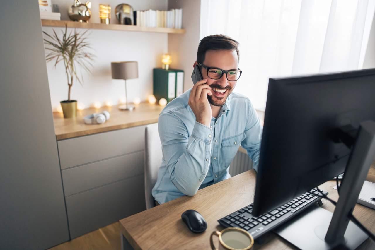 Ingresos Pasivos: ¿Cómo trabajar desde casa y ser tu propio jefe/a?