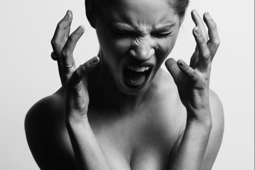 Foto de Clínica Trevi explica cómo el mal humor afecta  a la piel