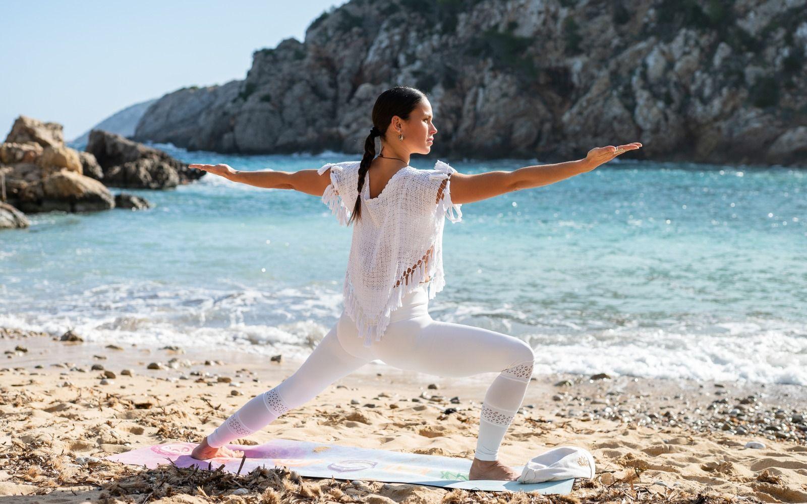 """""""Natura Yoga Sant Joan de Labritja"""", con Mireia Canalda, comienza este sábado en el Port de Sant Miquel"""
