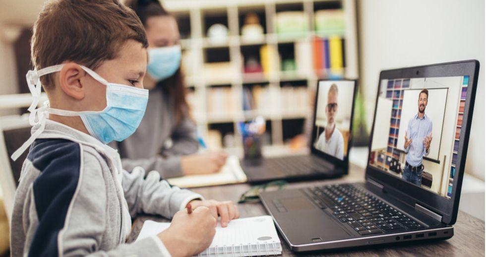 Las aulas se preparan para la formación híbrida y conectada con WiFi 6