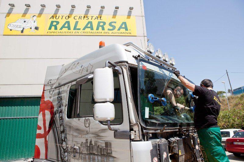 Ralarsa Trucks, la nueva división de lunas de camiones