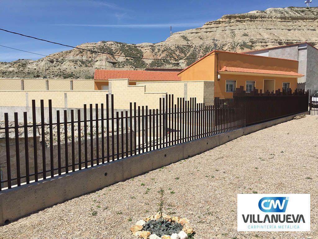 Carpintería Metálica Villanueva asegura los hogares con sus vallas de aluminio