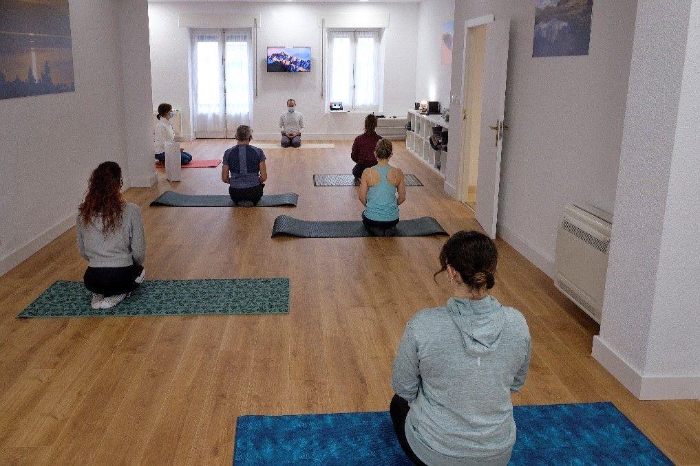 Sol y Luna abre las puertas de Salamanca al yoga y la meditación