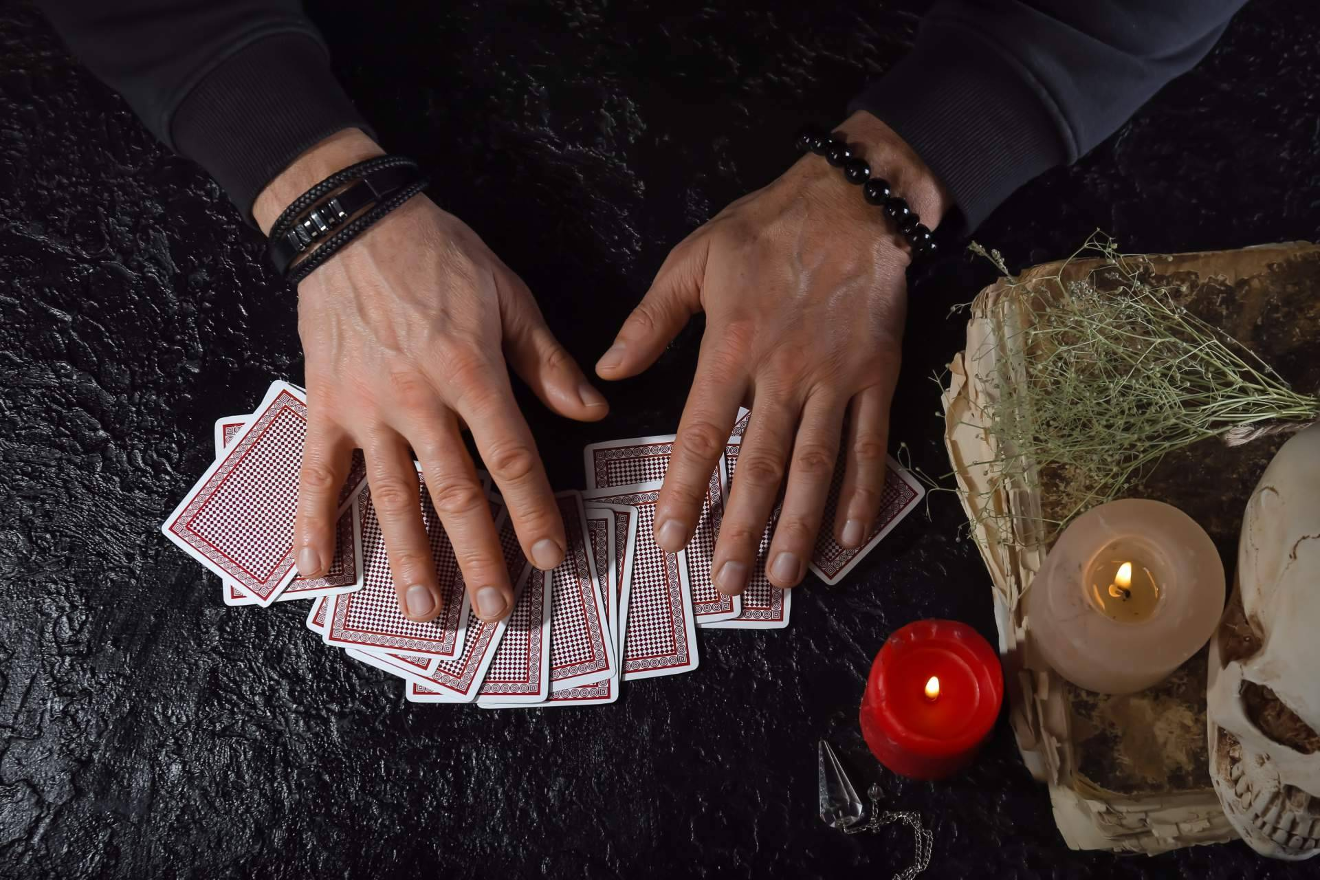 David y Ángelo, los profesionales del tarot y la videncia más reconocidos por ser videntes buenos y económicos
