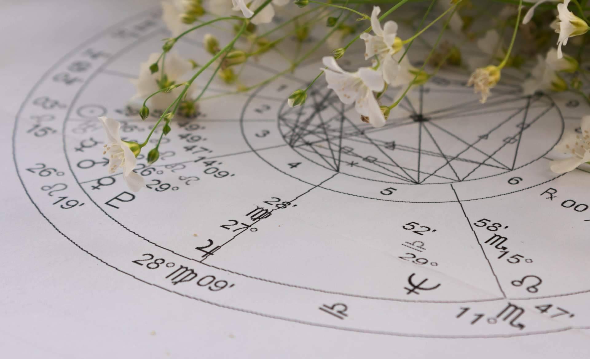 Nazaret Hermida: la profesional de la astrología que acierta en todos sus pronósticos