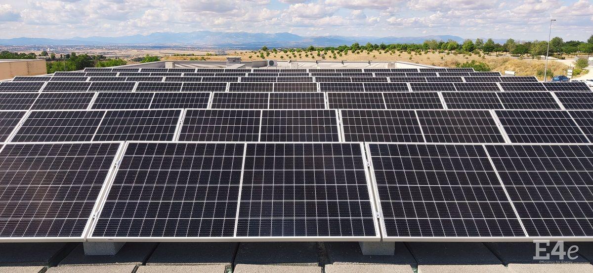 El colegio Miramadrid se compromete con la sostenibilidad instalando una planta fotovoltaica