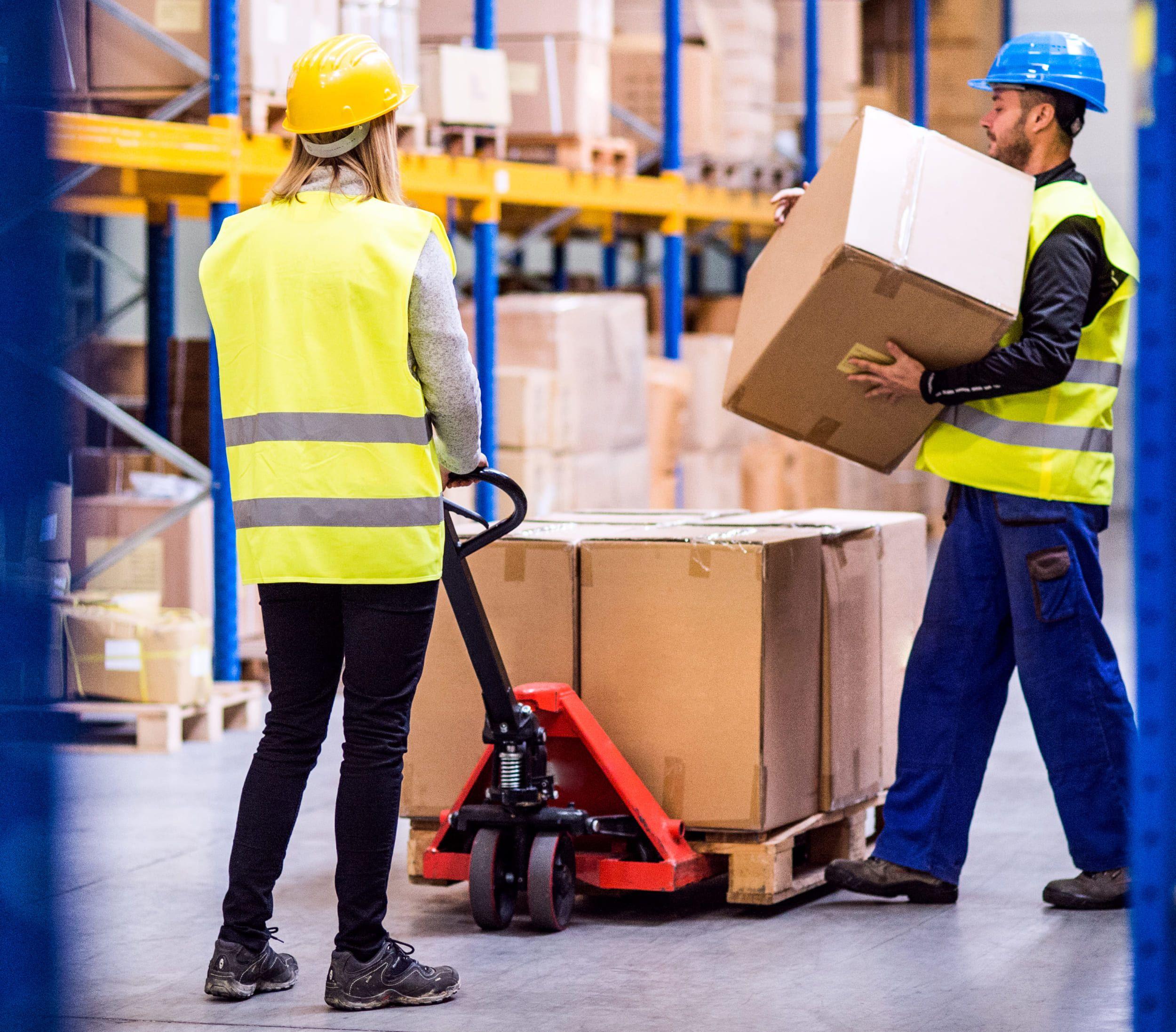 La importancia del uso de EPI y protección colectiva de calidad en la industria logística