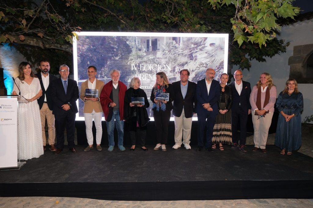 Foto de Ganadores de los premios, Junta Directiva de Essentially